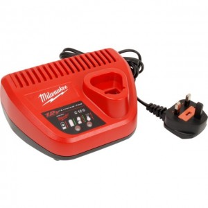 MILWAUKEE HEAVY DUTY M12 BATTERY CHARGER